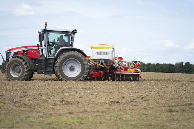 New trailed pneumatic seed drill combination from Pottinger